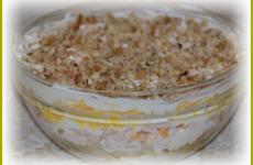 Салат с креветками слоями