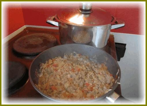 zrazy-kartofelnye-s-farshem-na-skovorode5