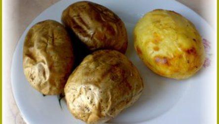 Постный картофель, запеченный в мундире