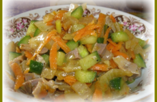 Вкусный салат с куриными желудками