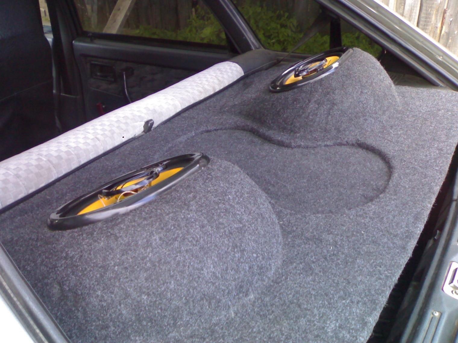 Как выбрать акустическую полку для автомобиля
